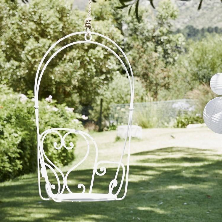 salon de jardin enfant - fauteuil suspendu en fer repeint en blanc ...