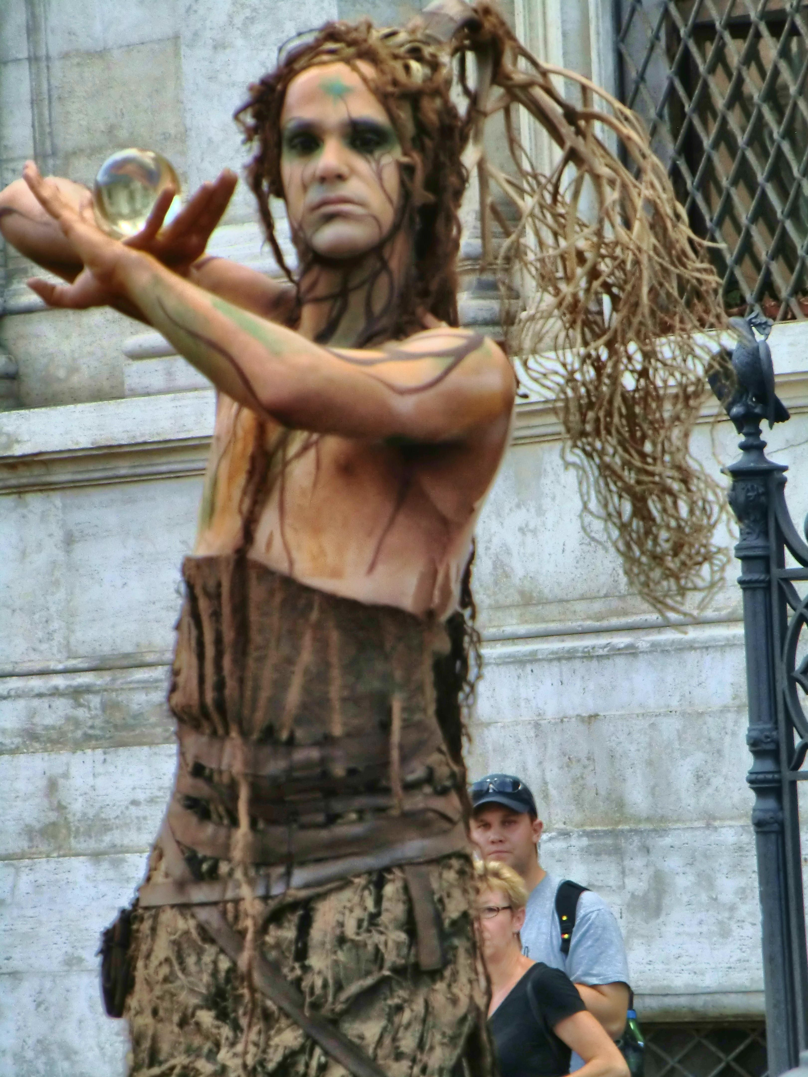 Living statue in Rome