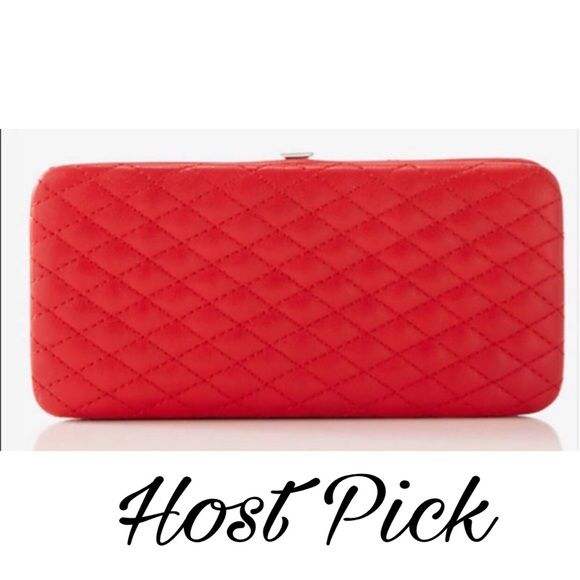 💝HP 11-23-16💝Quilted Case Wallet Clutch 💝Best in Bags 💼 Host Pick💝Red Quilted Case Wallet Clutch Express Bags