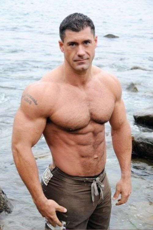 One Dilf On The Rocks To Go Please Daddyhunt Com