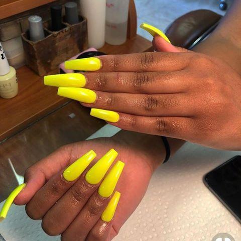 Yellow Nails Hudabeauty Fentybeauty Neon Yellow Brightnails Makeup Vogue Instagramers Inspir Long Nails Yellow Nails Acrylic Nails Coffin
