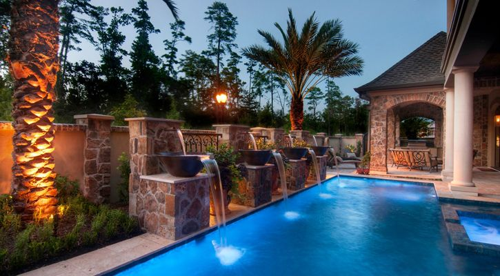 Pools with Fountains in Fort Myers FL