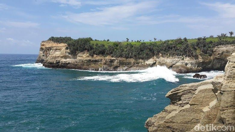 29 Gunung Pemandangan Indah Di Jawa Barat 22 Pantai Indah Di Pulau Jawa Buat Liburan Tengah Tahun Kamu Download 6 Gunung Di Di 2020 Pemandangan Pantai Pegunungan