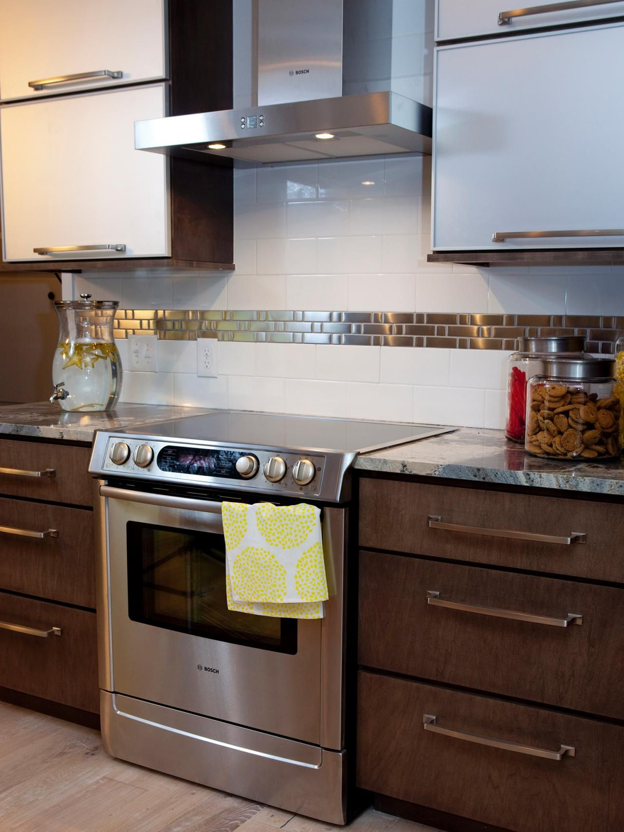 Pictures of Kitchen Backsplash Ideas From | Cocinas, Comedores ...