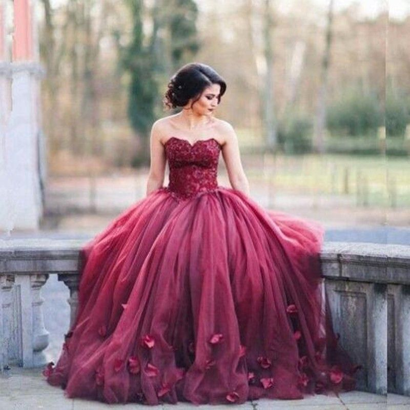 Elegant Sweetheart Burgundy Prom Dress With Flowers Petals Lace Up