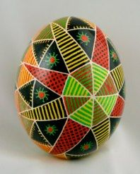 ....and this one with green (pysanky.info from 2009 collection)