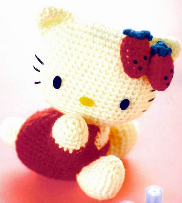 Hello Kitty Toy Knitting Pattern Free : Free Strawberry Hello Kitty Amigurumi Crochet Pattern FREE Amigurumi Patter...
