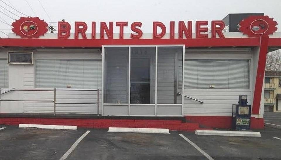 Brints Diner, near the northeast corner of Lincoln and Oliver, has, once again, closed.
