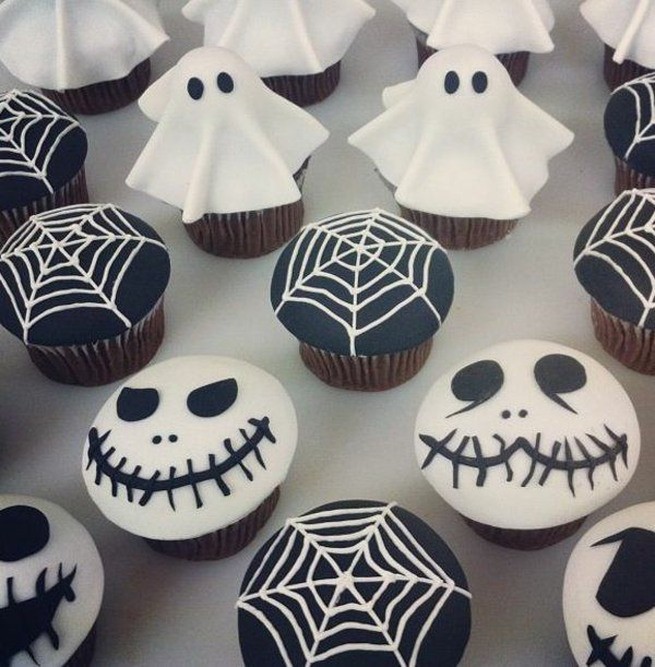 grusel muffins halloween cupcakes backen kuchen. Black Bedroom Furniture Sets. Home Design Ideas