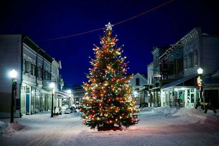 Yes Mackinac Island Is One Of The Best Christmas Towns In Michigan Michigan Christmas Mackinac Island Mackinac Island Michigan