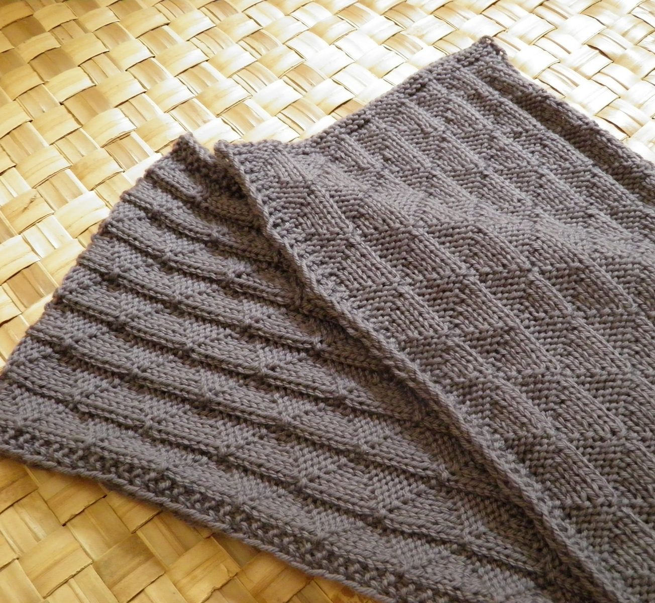Free Knitting Pattern for Ruggles Reversible Scarf | Knitting is ...