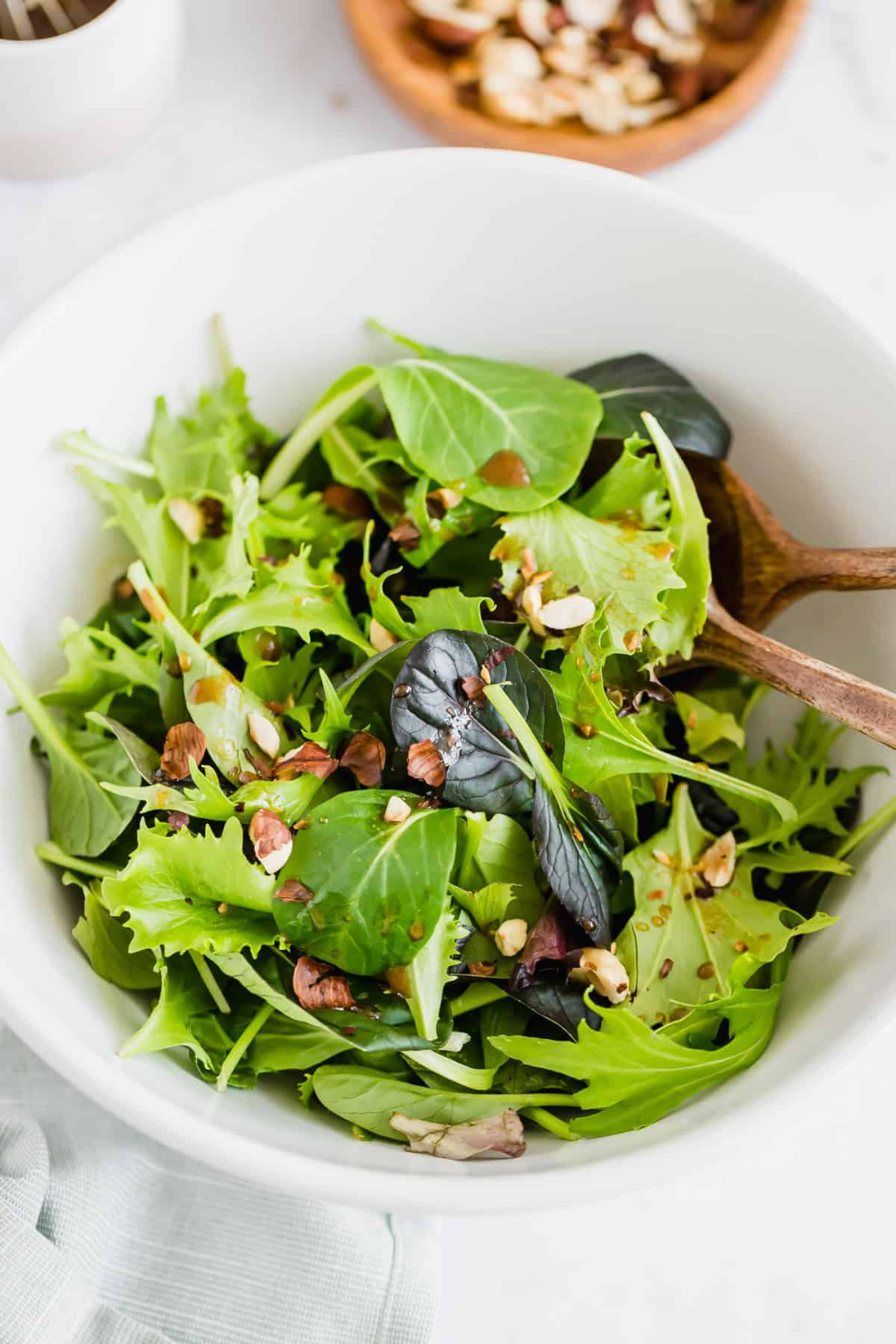 I Dare To Call This Simple Green Salad Recipe The Best Green Salad In The World It S M Easy Green Salad Recipes Salad Mixed Greens Green Salad Recipes Healthy