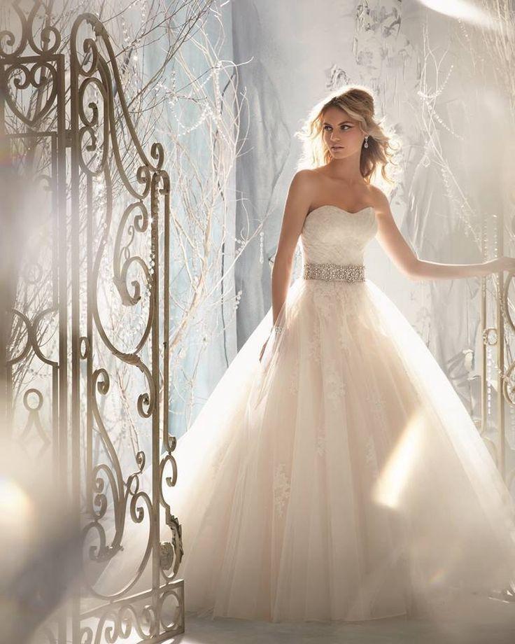Pronovias 2014 #wedding #dress #beautiful
