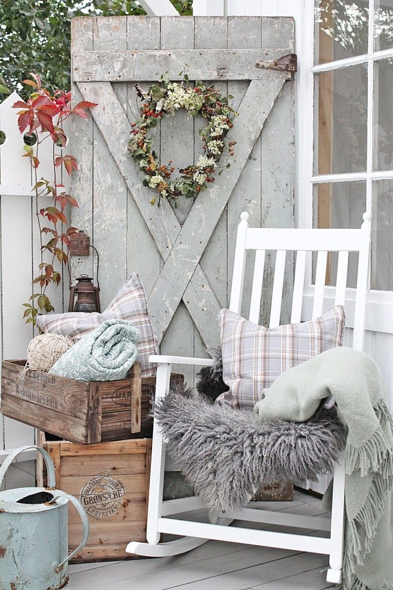 Cozy Fall Farmhouse Porch Decor Ideas To Inspire Your Decorating From Reclaimed Wood Pumpkins A Raffia Wreath