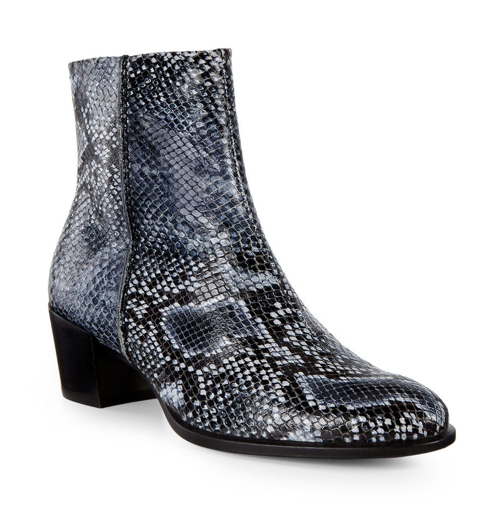 These boots from our ladies collection are perfect for ladies looking for  formal boots. Ecco CA Online Store