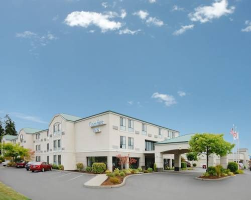 Comfort Inn Bellingham Bellingham (Washington) This hotel is located in the commercial district, minutes from Bellingham International Airport in Washington. The hotel offers free 24-hour airport shuttle service and guest rooms with free Wi-Fi.
