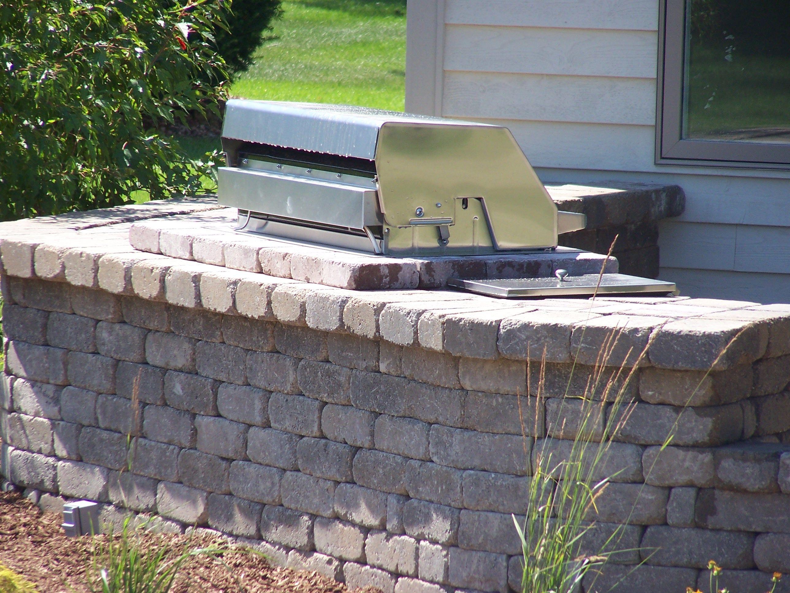 Stone patio wall ideas - Belgard Retaining Wall Blocks Weston Wall Block Retaining Wall Blocksretaining Wallspatio Ideas