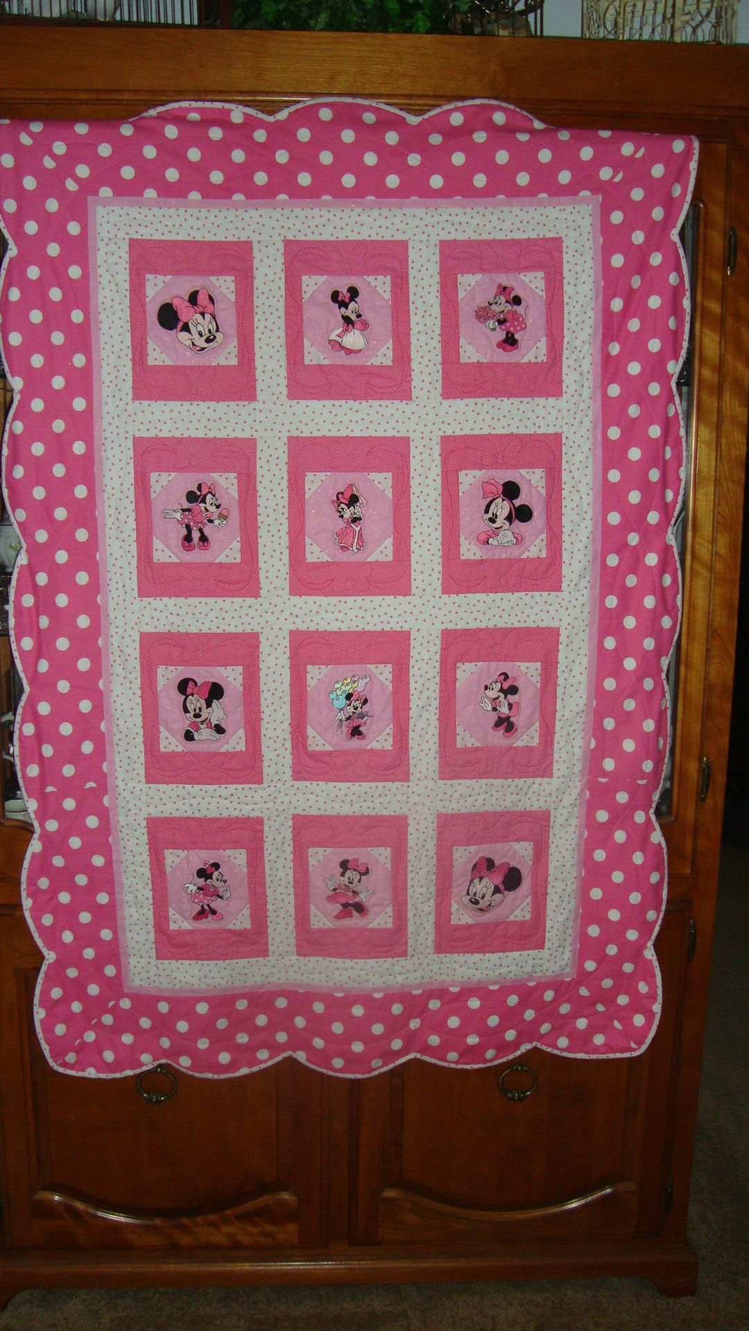 Granddaughter S Minnie Mouse Quilt In Hot Pink Poke A Dots Mickey Mouse Quilt Disney Quilt Baby Quilts