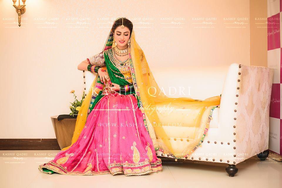 Mehndi Makeup Looks 2018 : Beautiful ayeza khan on her mehndi swsays pakistan s wedding