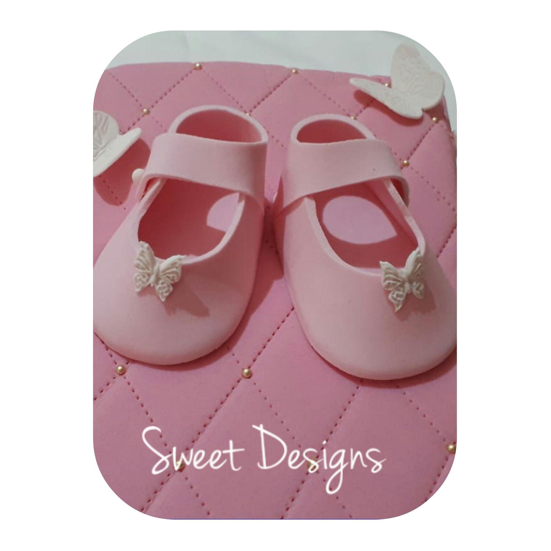 Baby Fondant Shoes | Fondant baby shoes, Fondant baby ...
