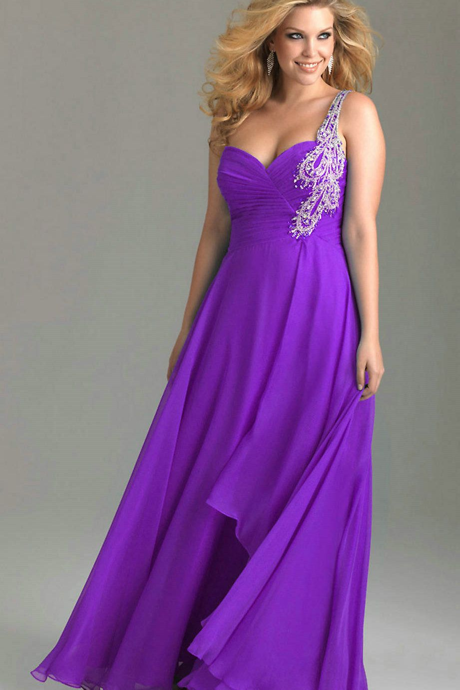 Prom Dresses For Plus Size Girls that Make a Good Looking: Blue Prom ...