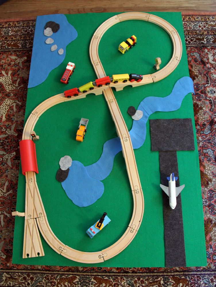 DIY Train Table That Rolls Under The Bed! Plus Moveable Felt Scenery!