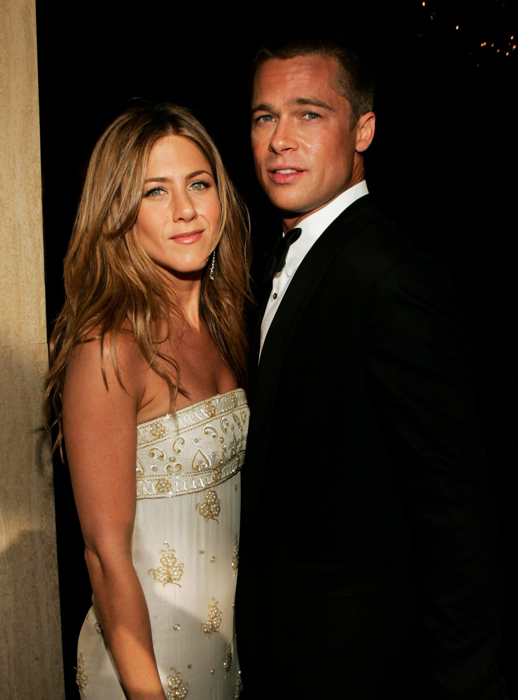 Brad Pitt Jennifer Aniston Celebrated The Holidays Together Brad Pitt And Jennifer Jennifer Aniston Photos Brad Pitt Jennifer Aniston