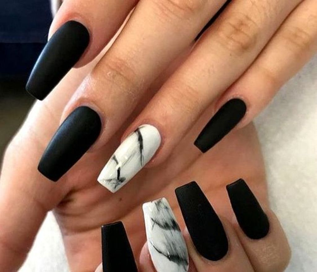25 Precise Nail Art Colors For Fall Black Acrylic Nails Marble