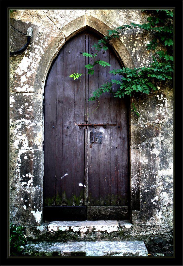 Old Door Leiria Castle II & I\u0027d like to have this door please...and the castle that must go ...