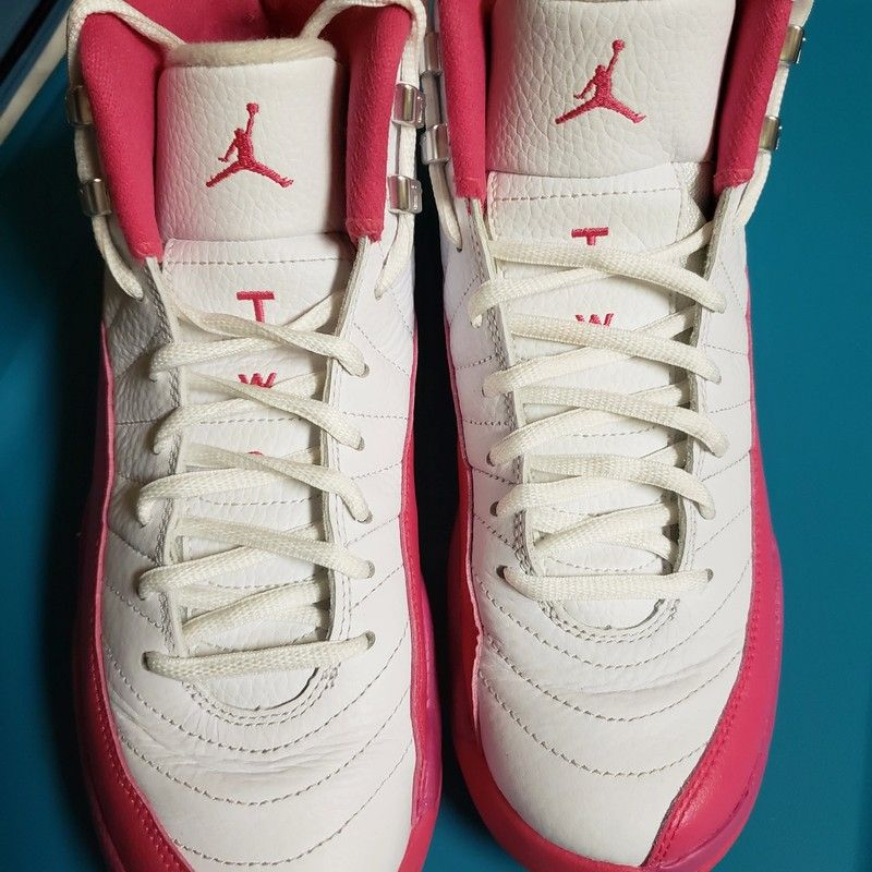 723beb4e93e2c9 Nike Air Jordan Retro 12s Valentine Limited Edition - ☆Excellent condition!  ☆Super clean! ☆Only worn a handful of times ☆Size  7Y