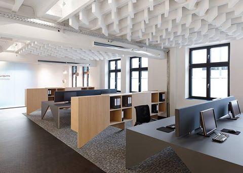 En nuestras oficinas se trabaja para satisfacer las necesidades de nuestros clientes.