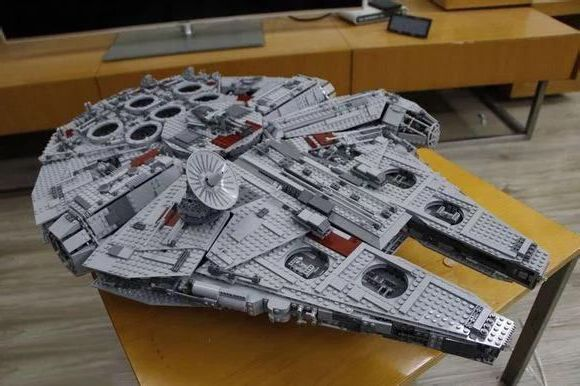 lepin 05033 5265pcs star wars ultimate collector 39 s millennium falcon. Black Bedroom Furniture Sets. Home Design Ideas