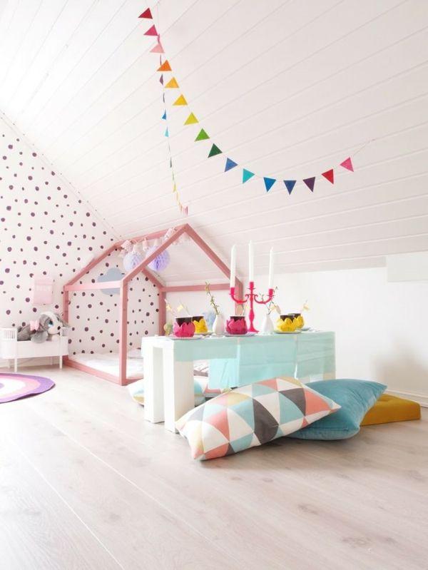 Kinderzimmer Mädchen Dekokissen Wandtapete Gepunkt Tolles Kinderbett