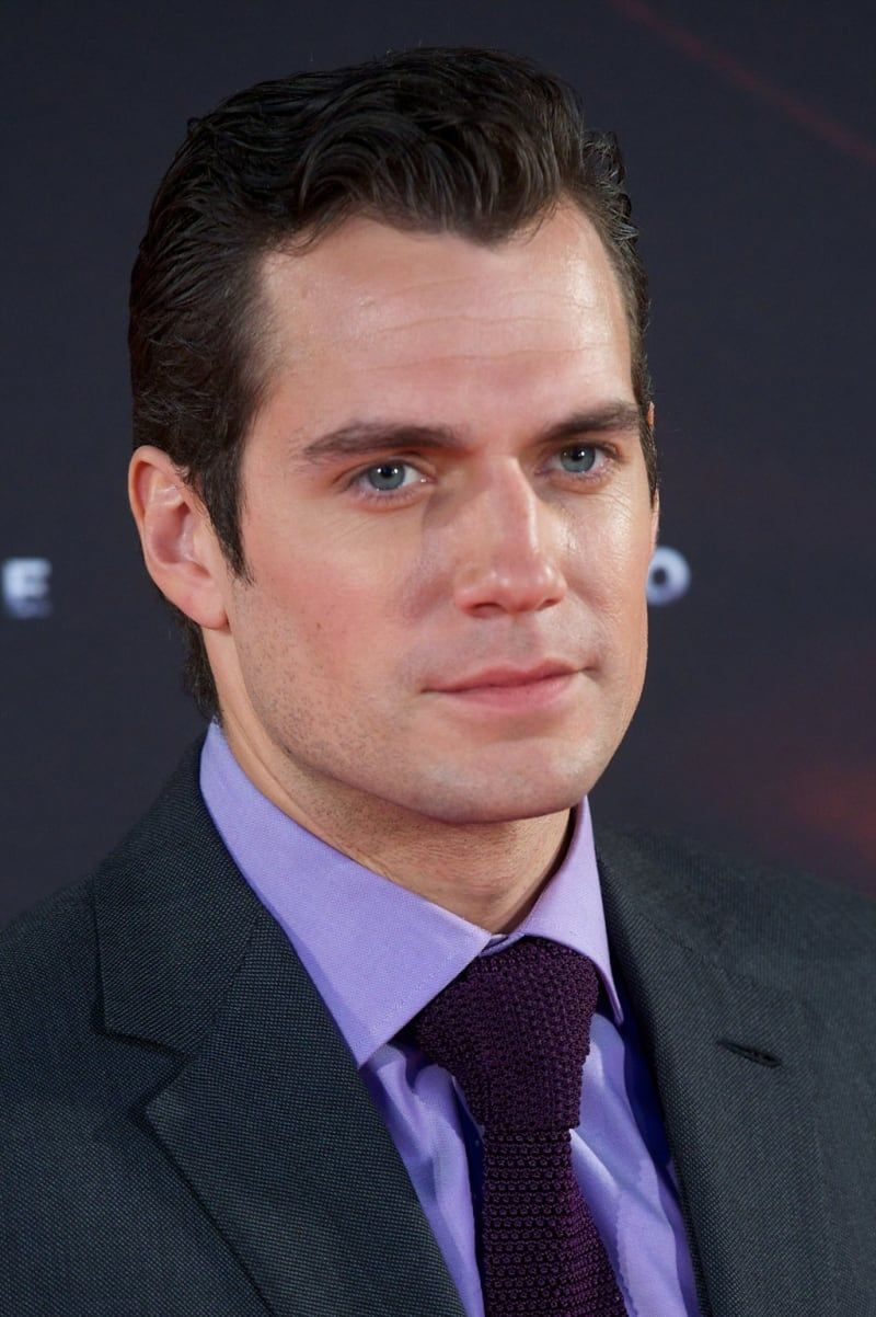 19 Times Henry Cavill's Jawline Was Out Of Control