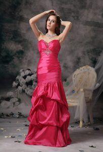 Red Column Sweetheart Taffeta Long Romantic Evening Dress for Celebrity