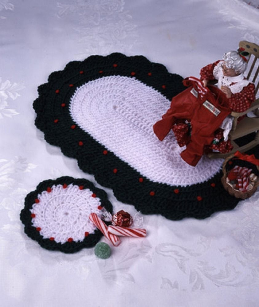 Country Christmas In Red Heart Super Saver Economy Solids Wr1054 Knitting Patterns Loveknitting Christmas Crochet Crochet Coasters Free Pattern Christmas Crochet Patterns