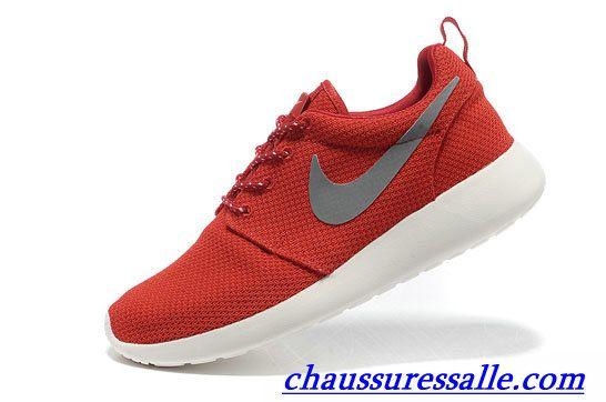 regard détaillé 09a95 e340e Épinglé sur Chaussures Nike Roshe Run Femme pas cher