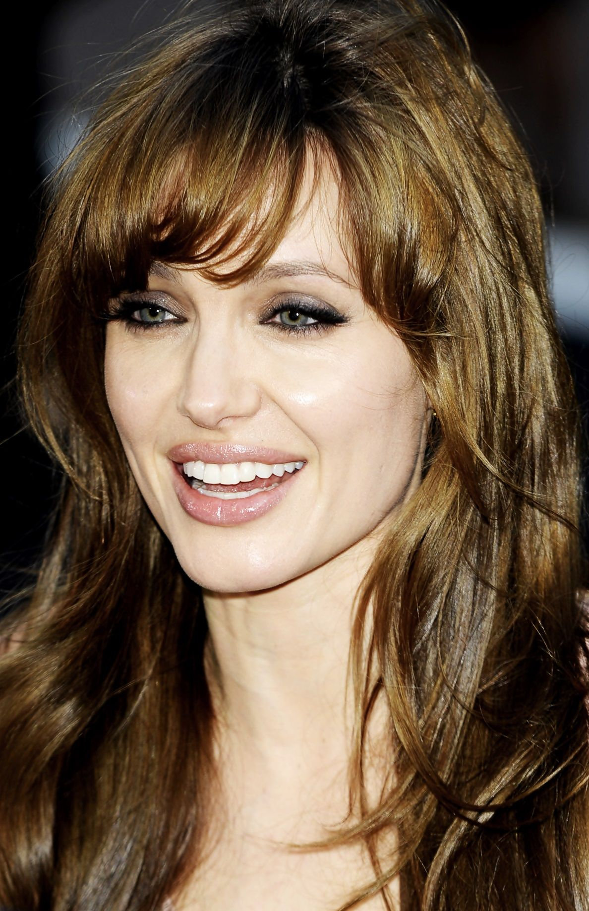 Angelina Jolie s bangs