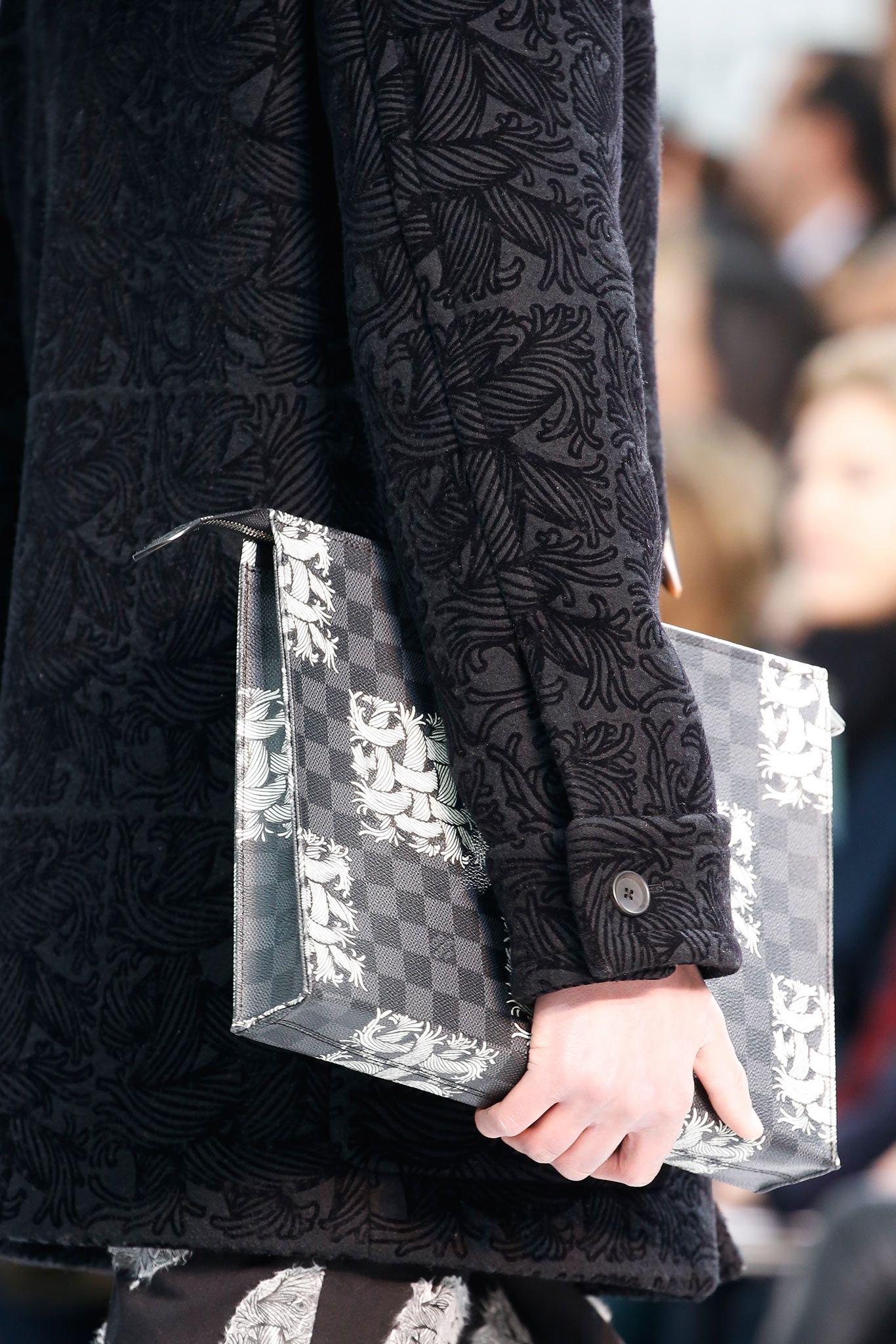 35a49de8868a Louis Vuitton Fall 2015 Menswear - Details - Gallery - Style.com ...