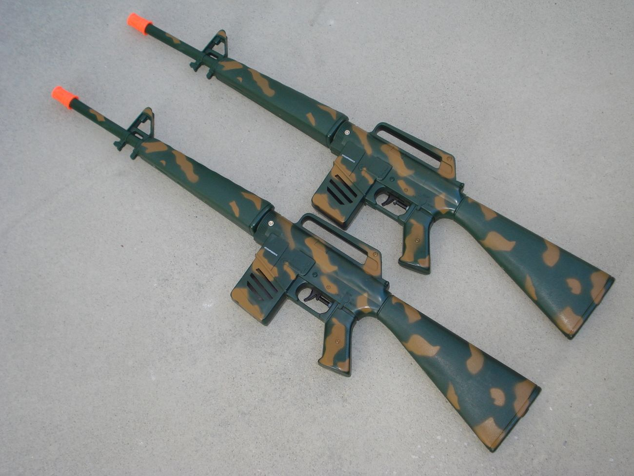 Two m16 water rifles water guns camouflage realistic gun sounds free water balloons from