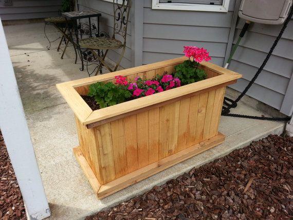 Cedar planter box by EddiesVintageDesign on Etsy