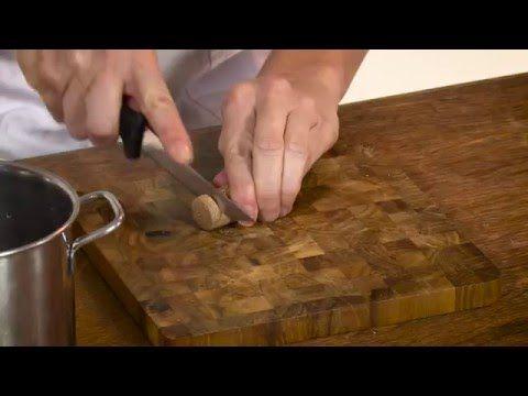 Tappi Mobili ~ Come tagliare i tappi di sughero senza sbriciolarli come fare