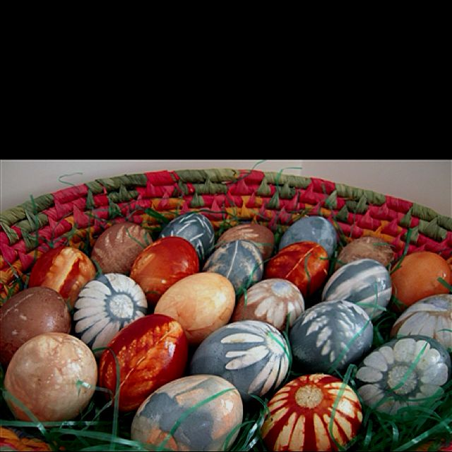 Needs Instructions But It Looks So Cool Natural Easter Egg Dye