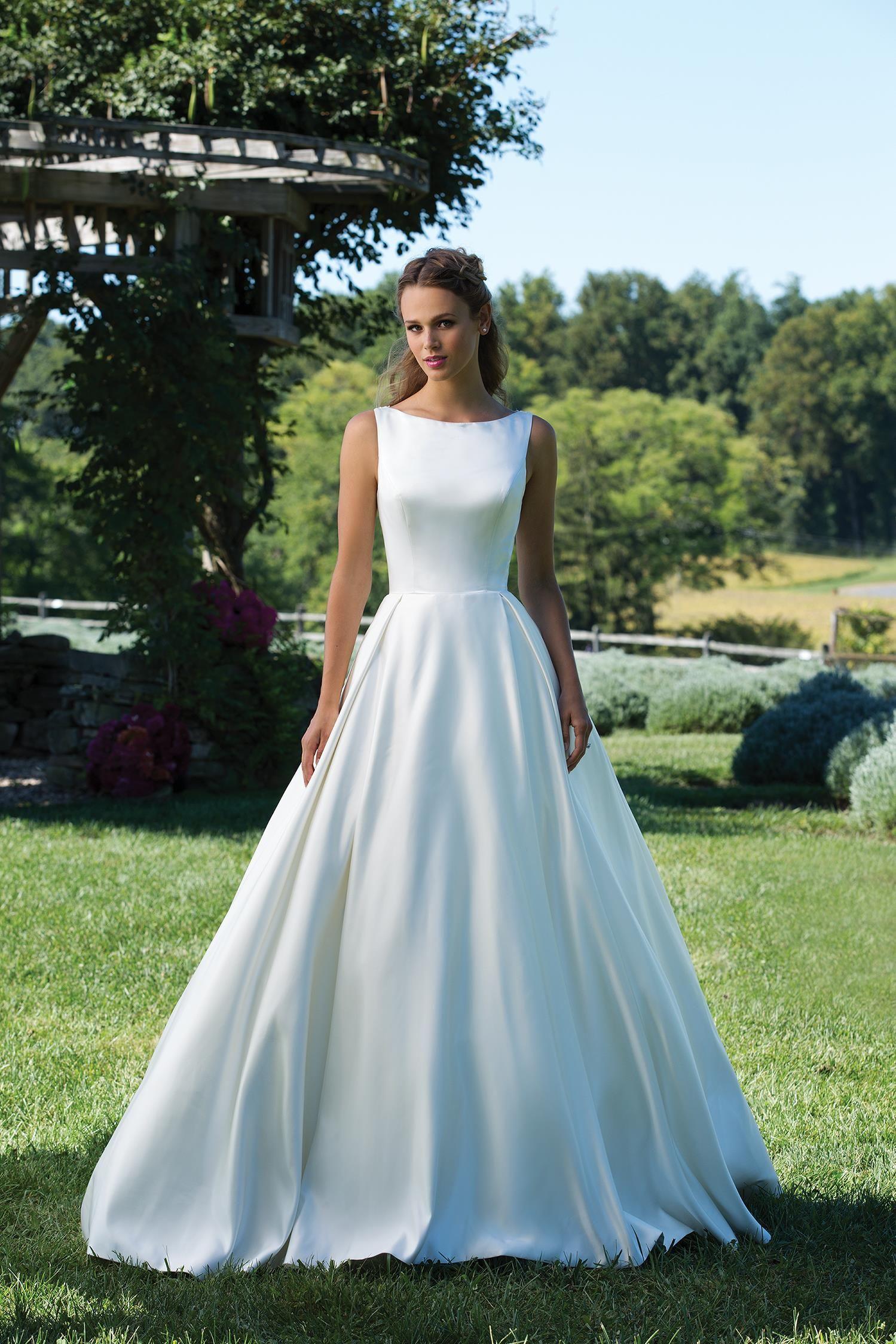 Svadobné šaty svadobný salon valery 6be3fd10e4a