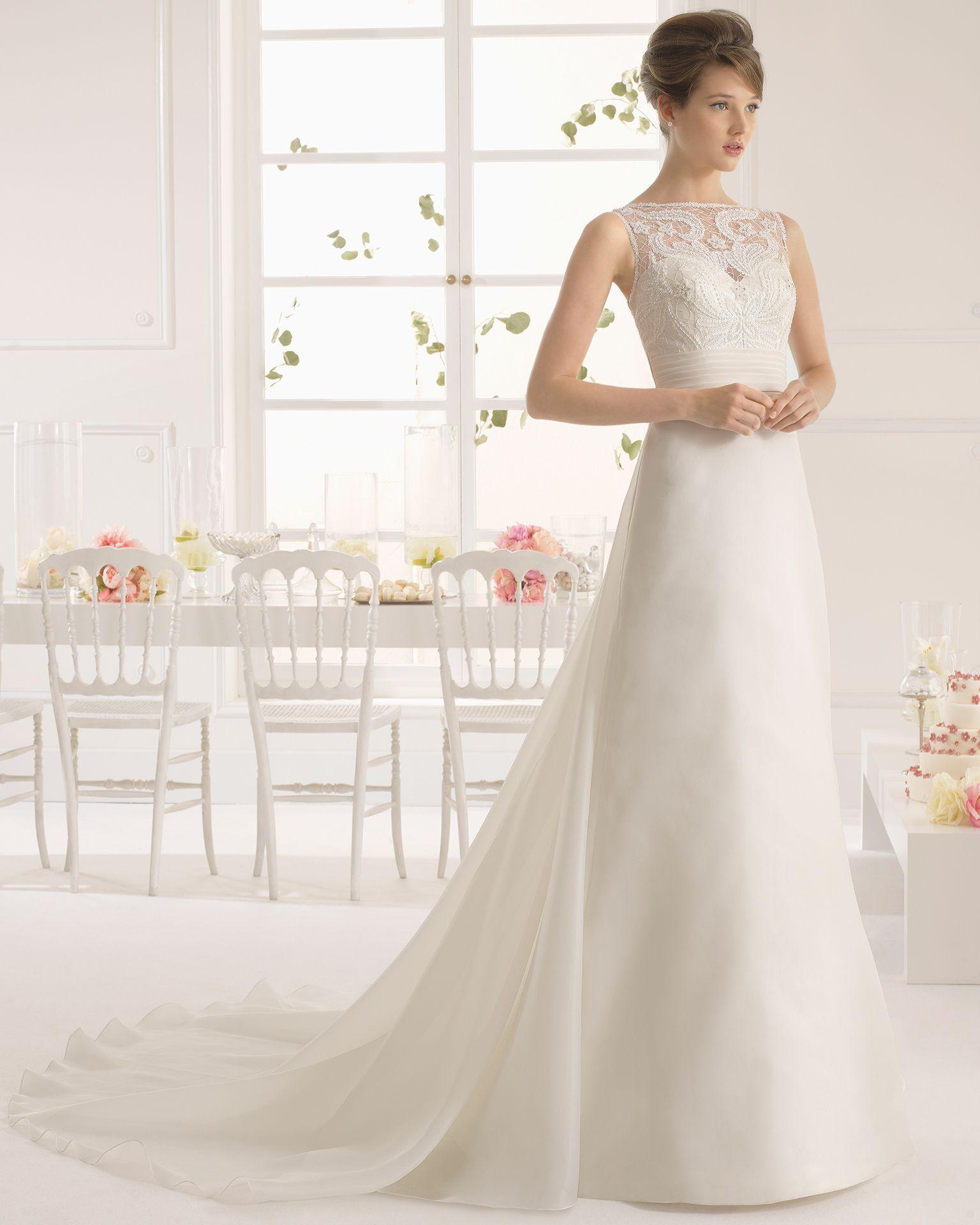 Used Designer Wedding Gowns: Style #8C284 ANTON