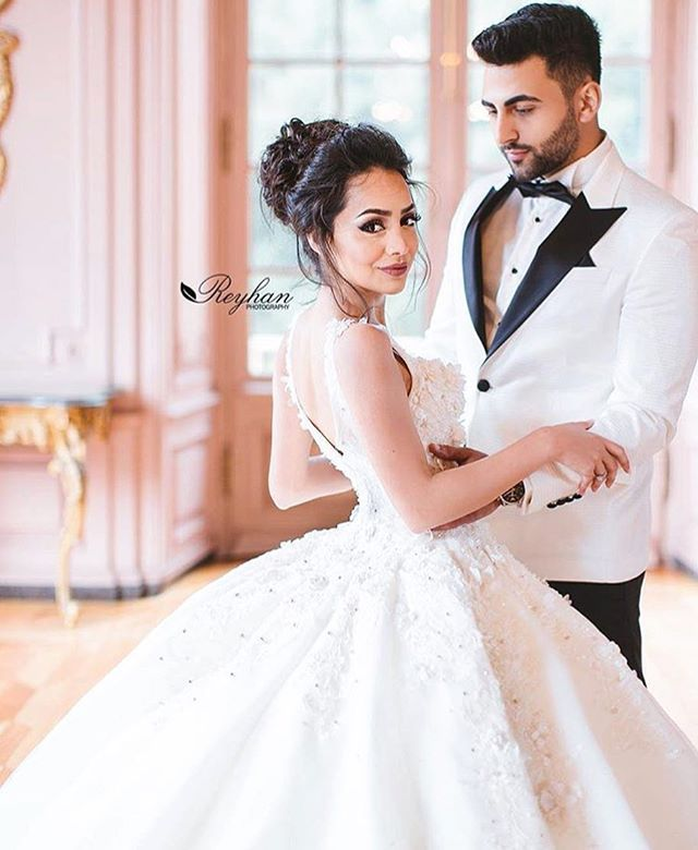 Couple Goals  Beautiful Di1ara Yilmaz  & Tory Lamb.avc  Dress @laperless  Hair & Makeup @blush_hour  Photography @reyhanphotography  #bride #happy #dr…