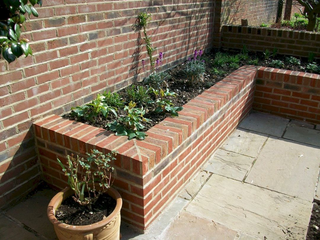 25+ Beautiful Brick Flower Bed Ideas for Front Yard