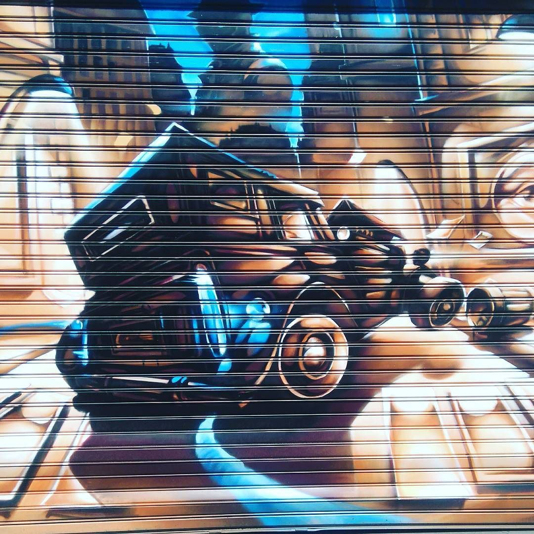 #mtp #montpellier #chill #sun #happy #love #art #metal #streetart #street #oldcar by mrgreenmagic