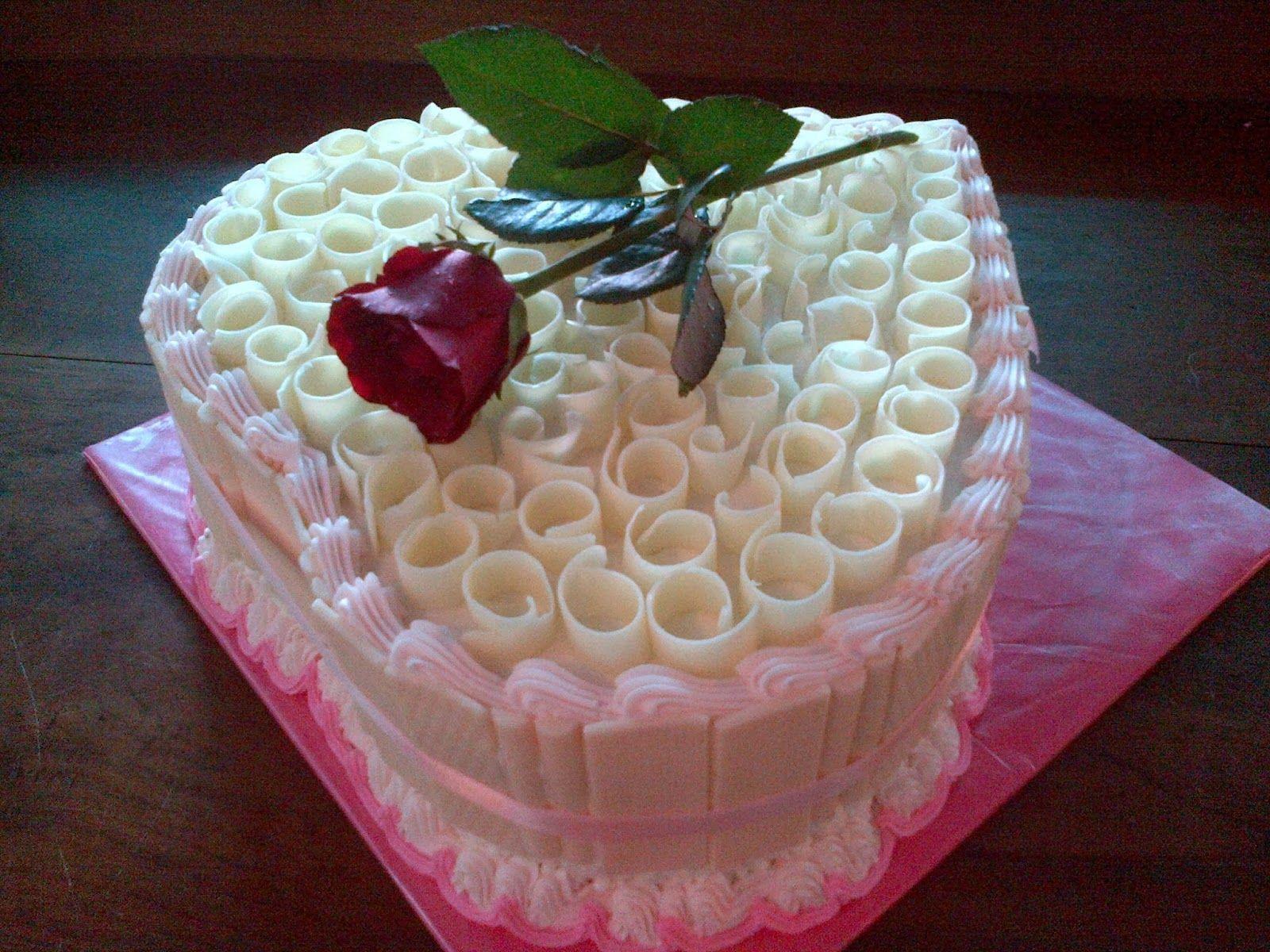 Gambar Kue Ulang Tahun Bunga Mawar Maraknya Kemajuan Zaman Yang Lebih Maju Dan Canggih Aplikasi Bbm Merupakan Merupakan Aplikasi Chatting Desserts Cake Food
