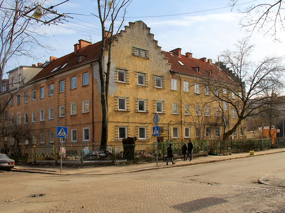 Старые дома на улицах Калининграда